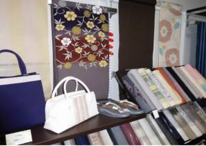 おしゃれな着物・帯・草履を購入するなら、格安価格が自慢の大阪の着物専門店「和空間スポットガーデン」へ